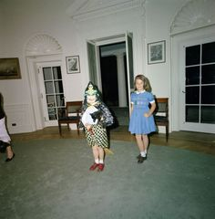 On October President John F Kennedy and wife Jacqueline celebrated Halloween at the White House with children Caroline and John Jr., nephew Stephen Smith Jr, and niece Maria Shriver (form… Eunice Kennedy Shriver, Caroline Kennedy, Kennedy Jr, Maria Shriver, John Junior, Dresses For Work, Summer Dresses, Kids Shows, Rare Photos