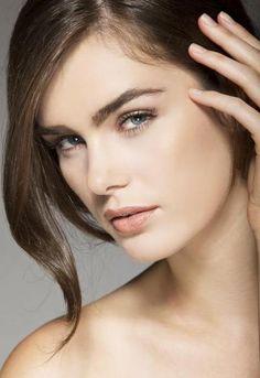 Fall Makeup Trend: The Cara Brow
