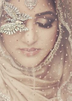 Gorgeous Hijabi | Probably the most gorgeous hijabi image I've ever pinned!
