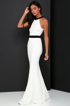 wow stunning black and white gown