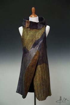Image of Barcelona Vest (nuno felted) workshop Beautiful Outfits, Cool Outfits, Fashion Outfits, Nuno Felt Scarf, Vest Pattern, Nuno Felting, Felt Art, Up Girl, Mode Style