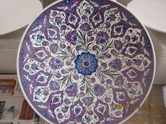 mihrican Glass Ceramic, Ceramic Plates, Decorative Plates, Turkish Art, Ceramic Design, Tile Art, Art Object, Arabesque, Islamic Art