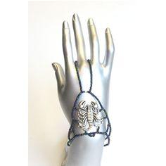 Comfortable elastic Hand jewelry  www.handjewellery.com www.etsy.com/se-en/shop/TinnasHandJewelry www.facebook.com/handsmycken.se