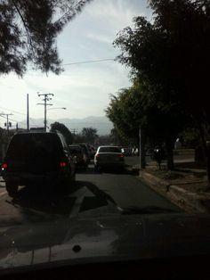 Tráfico lento bajando por la Gabriela Mistral vía @fherpalma