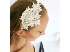 Tocado para novia de diadema en encaje