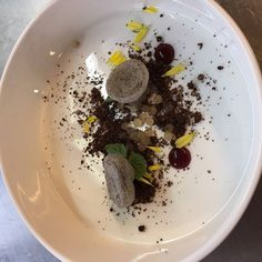 #Molecular #Gastronomy #session by OBU-BA #students at @imiswitzerland @imiswissroom last #Friday - #Vanilla #Pearls with #Swiss #chocolate #crumble and #Macarons - Join the #GastroNomyNetWork and #share your #love on #food #wine #beer #cocktails #restaurants #travel #tourism and more. #Post -#share- #Cheer! See you there! gastronomy.mightybell.com