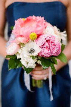 Pink peony bridesmaids bouquet | Jenna Henderson Photography | see more on: http://burnettsboards.com/2015/04/preppy-summer-garden-wedding/