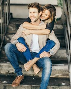 schattige paar foto's - 💋 schattige paar foto's - 💋 - Cute Romantic Love Quotes The Perfect Pair [Of Shoes] Photo Poses For Couples, Cute Couples Photos, Couple Picture Poses, Engagement Photo Poses, Photo Couple, Cute Couple Pictures, Engagement Photography, Couple Pics, Engagement Pictures