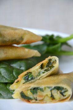 Vegetable samosas with spinach, potatoes, mint and lemon - Juliette's recipes - vegan - Vegetarian Recipes Samosas, Veggie Recipes, Indian Food Recipes, Vegetarian Recipes, Healthy Recipes, Healthy Drinks, Dishes Recipes, Healthy Cooking, Cooking Recipes