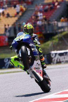 Wheelie in Spain #vr46