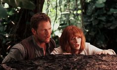 Chris Pratt and Bryce Dallas Howard as Owen Grady and Claire Dearing in Jurassic World. >>> Latest OTP! Squeeee!