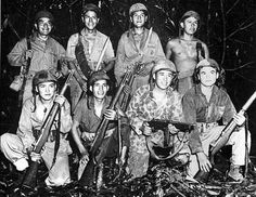 Marine Navajo code talkers on Iwo Jima.I met a code talker and his stories were so interesting! Nagasaki, Hiroshima, Fukushima, Native American History, American Indians, British History, Code Talker, Historia Universal, Powerful Pictures