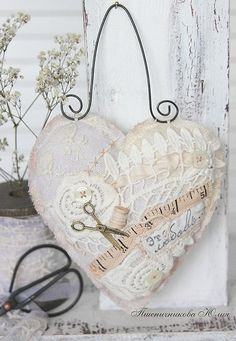 "Fair Masters - handmade heart in vintage style ""Sweet home"". Shabby Chic Crafts, Vintage Crafts, Lace Heart, Heart Art, Valentine Heart, Valentines, Sewing Crafts, Sewing Projects, Fabric Hearts"