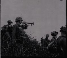 Vietnam War La Drang Valley: US Army PFC Ira Rolston sounding a captured Viet Cong bugle in the Ia Drang Valley Battle. Vietnam Veterans, Vietnam War, Battle Of Ia Drang, Us Army Soldier, North Vietnam, Real Hero, American War, World Trade Center, Laos