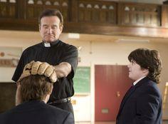 Still of Robin Williams, John Krasinski and Josh Flitter in License to Wed (2007)
