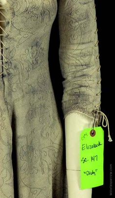 Elizabeth Swann white shift