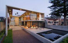 Luxuriöse Residenz in Kalifornien verschwimmt die Grenzen des traditionellen Designs  - http://wohnideenn.de/exterior-design/10/luxuriose-residenz-in-kalifornien.html  #ExteriorDesign