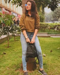 Image may contain: one or more people, people standing, tree and outdoor Cute Girl Photo, Girl Photo Poses, Girl Poses, Casual Fall Outfits, Classy Outfits, Trendy Outfits, Indian Bridal Outfits, Indian Designer Outfits, Girls Fashion Clothes