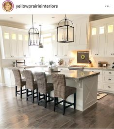 Perfect Farmhouse Kitchen Decor Ideas 2018 - Savvy Ways About Things Can Teach Us You obtain your kitchen floor inspiration, we will deal with the rest. Kitchens are the center of a home. If you've been contemplating bringing a mode. Modern Farmhouse Kitchens, Farmhouse Kitchen Decor, Kitchen Redo, New Kitchen, Home Kitchens, Kitchen Dining, Kitchen Ideas, Awesome Kitchen, Kitchen Cabinets