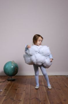 Little Cloud costume for kid's Halloween :) Cute Costumes, Cool Halloween Costumes, Fall Halloween, Costume Ideas, Costume Halloween, Alaaf You, Fantasias Halloween, Halloween Disfraces, Holidays Halloween