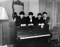 "osseteniveis: "" _The Beatles; Paris; January 1964/Janeiro de 1964. _Source/Fonte: Solo Beatles Photos Forum. """
