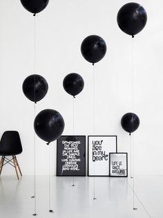 De grafische print van de Zweedse ontwerpster Therese Sennerholt hebben grappige en inspirerende teksten zoals ' Love is the new black' en 'Happiness is here to stay'. De posters worden door Therese gesigneerd en zijn slechts in beperkte oplage in haar online shop verkrijgbaar.