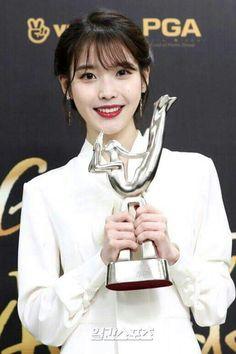 Golden Disk Awards, Pop Singers, Korean Actresses, Her Music, Celebs, Celebrities, Debut Album, My Princess, Korean Singer