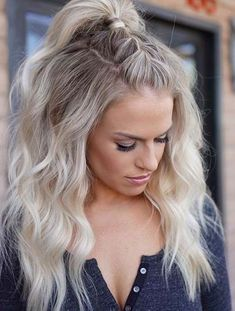 delicate summer hair color for brunettes balayage 2019 have a look! page 38 - Haar und beauty - Rehearsal Dinner Hair, Rehearsal Dinners, Lange Blonde, Trendy Hairstyles, Hairstyles 2018, Long Blonde Hairstyles, Concert Hairstyles, Bob Hairstyle, Hairstyles Videos