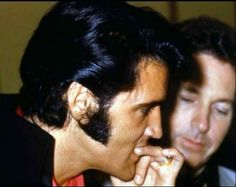 "A ""nervous"" Elvis before meeting with the press 1969."