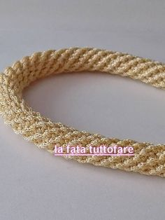 Tutorial: manici a spirale all'uncinetto - rope crochet (not in English)