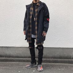 ▪️ Jacket : old clothes ▪️ Flannel : #FaithConnexion ▪️ Tee,Tank : #Fog ▪️ Pants : #Knobskin ▪️ Boots : #YeezyBoost350V2 ▪️ Accessory : #Goros #Cod