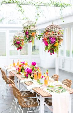 Tropical Tablescape Ideas For Your Wedding
