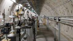 Xfel: Riesenkamera nimmt Filme von Atomen auf.- n Hamburg und Schleswig-Holstein entsteht derzeit eines der größten und leistungsfähigsten Aufnahmesysteme der Welt: Der European Xfel ist ein Röntgenlaser, der Atome und chemische Reaktionen abbilden kann.