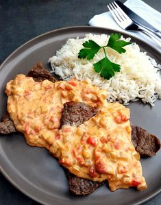 45 Ideas For Meat Cooking Pasta Sauces Food Porn, Salty Foods, Meat Loaf Recipe Easy, Cooking Recipes, Healthy Recipes, Cooking Pasta, Portuguese Recipes, Comfort Food, How To Cook Pasta