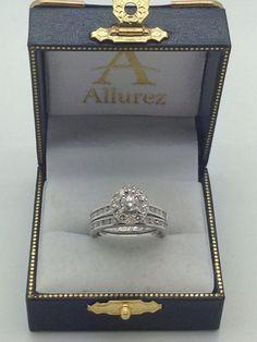 Modern Flower Halo Diamond Engagement Set Platinum (0.50ct) - Allurez.com