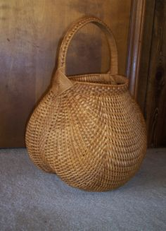 Handmade Basket: Oriole Basket - Baskets by Mona