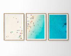 Ensemble imprimé trois « Daze paresseux » par Daydrift Achetez notre trois pièces ensemble impression et nous vous ferons parvenir trois tirages non encadrés qui correspondent à lensemble pour former une plus grande impression. FORMATS DISPONIBLES : 3 x 12 « X 18 » pouces 3 x 18 « X 24 » pouces TYPES DE PAPIER DISPONIBLES : Notre belle surdimensionnée art et grand format poster sont imprimés sur du papier mat épais avec des encres darchives. Les couleurs ne se fanent pas et le papier ne ...