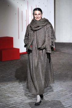 Daniela Gregis - Ready-to-Wear - Runway Collection - Women  Fall / Winter 2012