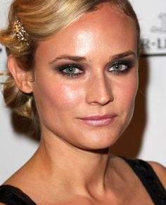 Diane Kruger #makeup #smokey eyes