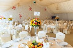 Când organizezi o nunta sunt lucruri care sunt necesare sa le știi Table Settings, Restaurant, Table Decorations, Home Decor, Decoration Home, Room Decor, Diner Restaurant, Place Settings, Restaurants