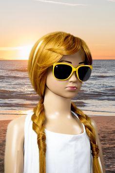 Topmodische Kinder Sonnenbrille aus 100% Kunststoff, perfekter Sonnenschutz mit UV 400. Breite Bügel. CE Normen. One Size.  Mit der Volland förmigen Sonnenbrille ist Ihr Kind optimal vor der Sonne geschützt. Types Of Rainfall, Tsunami Waves, Islamic Bank, Change Management, Best Stocks, Gold Price, Family Dogs, Female Bodies, Cat Eye Sunglasses