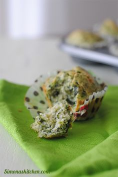 Simona'sKitchen: Muffins Salati agli Spinaci, Pecorino Romano e Noce Moscata - Savoury Muffins with Spinach, Pecorino Cheese and Nutmeg