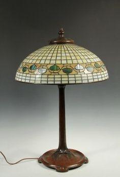 TIFFANY ART GLASS LAMP - Tiffany Studios Acorn Leaded