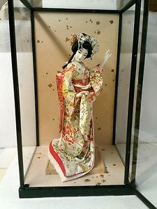 geisha glass case | LARGE-VINTAGE-JAPANESE-MAIKO-OR-GEISHA-DOLL-16-5-IN-GLASS-CASE-21-TALL