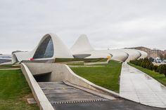 "Баку,  Центр  Гейдара  Алиева  на  месте  ""черного  города""."
