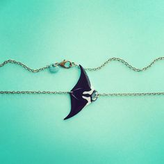 The newest addition to my handmade sea jewellery etsy shop is this Manta ray / Mobula ray / Devil ray necklace. Available bib-style or as a pendant on gold, silver or rustic bronze chain. Link direct to the shop atop this board!!! Perfect gift for any marine biology student or marine biologist, gift under 25 / gift under 30!! Sea / ocean / marine biology / elasmobranch / jewelry