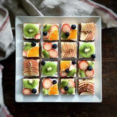 I wanted to try fruit open sandwich. これ、IGでよく見かけるから一度やってみたかったんです。#フルーツオープンサンド