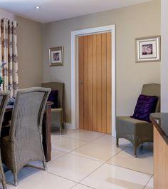 Gorgeous #oak internal door perfect for a classic modern interior. JB Kind's River oak Cottage Cherwell door.
