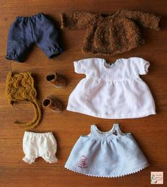 Capsule wardrobe for a doll