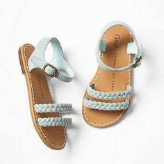 Gap Braided Sandals #gap #braidedsandals #sandals #kids #style #cute #ootd #shoes #kidsfashion #mamalane